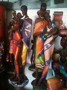 Africanas en resina
