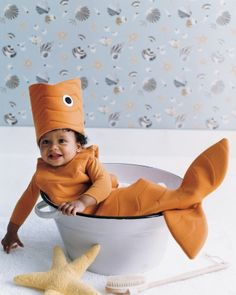 This quilted costume is perfect for tots who are mesmerized by ponds and fish tanks.