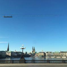 Guten Morgen Hamburg! Na das kann ja was werden heute!  by scherzinfarkt