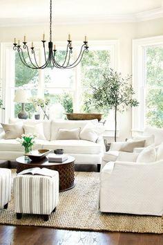 beyaz salon dekorasyonu fikirler mobilya renk secimi beyaz oturma odasi koltuk duvar aksesuar perde hali rengi (8) – Dekorasyon Cini