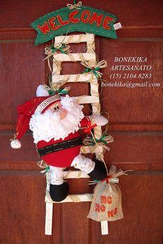 encomendas pelo email: bonekika@gmail.com Classic Christmas Decorations, Diy Christmas Ornaments, Christmas Art, Christmas Humor, Simple Christmas, Christmas Stockings, Xmas, Holiday Decor, Diy House Projects