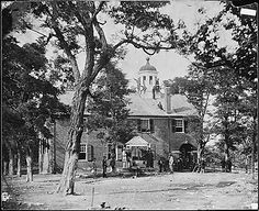 Union soldiers at Fairfax County Courthouse, Fairfax, Virginia in June 1863. (Note the soldiers on the roof.)