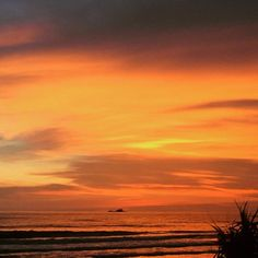 The sunset this evening as we were taking a late afternoon beach walk with guests. Isn't it stunning? #sunset #thailand #phuket #keemala #beyondenchanting #luxuryexperiences #backtonature #travelawesome  #travel #walk #justbreathe