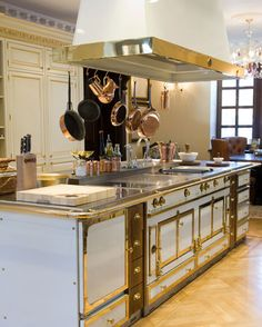 Ultra Luxury Appliance Brands at Capital Distributing... THE dream kitchen!