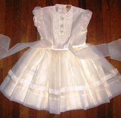 I used to wear this kind of frock to all the birthday parties!