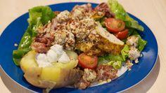 Maaltijdsalade met gegrilde kip en gepofte aardappels - De Makkelijke Maaltijd | 24Kitchen