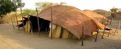 Toit de tente touareg en cuir de chameau. Mali 250€