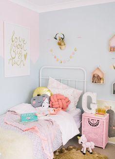 Schattige uitspraak in passende kleuren voor een meisjeskamer. Via Zilverblauw