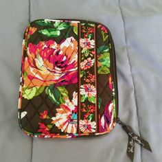 "Vera bradley tablet case Brand: Vera Bradley  Size: fits a normal size tablet Measurements: 8 3/4"" long 6.5"" wide  Color: brown, shades of pink, green. Interior design shown in last photo Condition: like new Vera Bradley Accessories Tablet Cases"