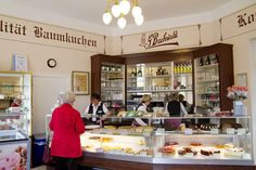 Many traditional cafes in Berlin specialise in baking but this cafe has to be one of the oldest. The house specialty is the cake, a tradition first started by confectioner to the Royals, Gustav Buchenwaldmade.