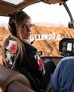 Alissa Violet Takes A Helicopter Ride To The Top of the Ski Mountain Alissa Violet Style, Cute Girls, Allisa Violet, Girls Tumblrs, Blonde Model, How To Pose, Girl Next Door, Instagram Models, Bffs