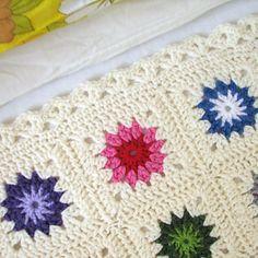 Yarning. Granny Square pattern by Sandra van Katwijk