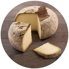 Сыр,диаметр 20 см.