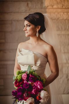 Photography: Shaun Menary Photography - shaunmenary.com  Read More: http://www.stylemepretty.com/2014/06/18/traditional-dallas-wedding-at-the-room-on-main/