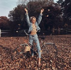 Queen of jetlags wearing our Closed Denim Green Life, Strike A Pose, Insta Pic, Cute Pictures, Latest Trends, Fall, Autumn, Poses, Queen