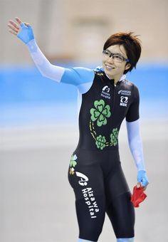 女子500メートル 37秒25でゴールし、声援に応える小平奈緒=エムウエーブ / 産経フォト #小平奈緒 #スピードスケート #産経フォト