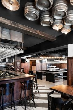 Industrial bar and restaurant design in Montreal, Canada Decoration Restaurant, Pub Decor, Wall Decor, Sportbar Design, Wall Design, Cafe Restaurant, Restaurant Design, Bar Bistro, Design Commercial
