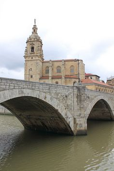 Basque Country, Bizkaia, Bilbao, San Antón Bridge & Church