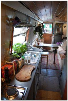 Houseboat Interiors Ideas (51)