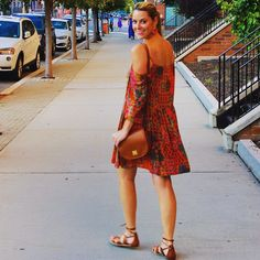 Hot nights call for breezy, open-shouldered dresses.   Love this look, @goodmorninggorgeous_blog
