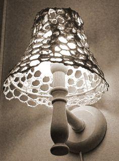paperimassa kanaverkko - Google-haku Hobbies And Crafts, Lights, Lamps, Haku, Diy, Vintage, Paper Mache, Lighting Ideas, Artsy