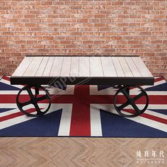 【OPUS LOFT】復古工業風 移動 木棧板 咖啡桌早期木棧板型態運用到鐵製輪框上,讓移動矮桌兼具功能與外型