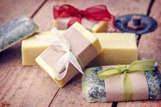 Making soap isn& difficult. This easy, basic beginner soap recipe comes with fun ideas for personalizing it by adding exfoliants, essential oils, etc. Soap Making Recipes, Homemade Soap Recipes, Baby Dekor, Coconut Oil Soap, Savon Soap, Soap Making Supplies, Lotion Bars, Homemade Beauty Products, Cold Process Soap