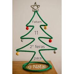 Encomende sua de Natal da AOQEQ Para orçar/encomendar acesse o site - link no perfil☝️ #natal #arvoredenatal #merrychristmas #feliznatal #desing #decor #instadecor #instadesign #decoracaodenatal #tricotin #icord #rabodegato