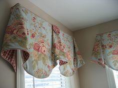 Imperial Valance with gingham rosettes by PoshSurfside.com, via Flickr