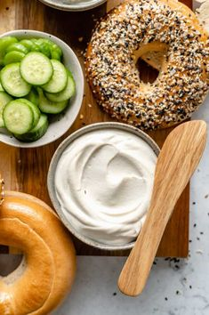 Learn how to make creamy Vegan Cream Cheese with this easy step-by-step guide! Homemade cream cheese is so rich and smooth. It's perfect for breakfast bagels, snacks, and more! Making your own cream cheese probably sounds pretty labor-intensive, but it's ... The post The Best Vegan Cream Cheese appeared first on Jessica in the Kitchen. Vegetarian Brunch, Healthy Vegan Breakfast, Vegetarian Dinners, Breakfast Bagel, Healthy Waffles, Plant Based Breakfast, Whole Food Recipes, Vegan Recipes, Cooking Recipes