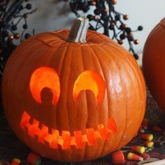 How to Use Pumpkin-carving Templates