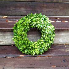 Boxwood Country Manor Round Wreath