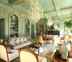Мебель для гостиной в классическом стиле: в поисках грани между роскошью и китчем http://happymodern.ru/mebel-dlya-gostinoj-v-klassicheskom-stile-35-foto-voploshhennie-roskoshi/ Mebel'_dlya_gostinoj_27