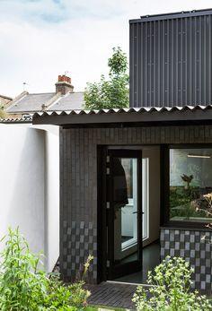 Courtyard House by Dallas Pierce Quintero