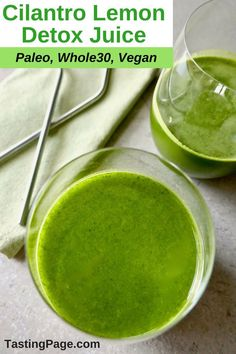 If you're dragging and need a little pick me up, try this cilantro lemon detox juice. It contains only natural ingredients and is gluten free, dairy free, vegan, paleo and compliant. Detox Diet Drinks, Detox Juice Recipes, Smoothie Detox, Detox Juices, Juice Cleanse, Cleanse Recipes, Vegan Smoothies, Drink Recipes, Paleo Vegan