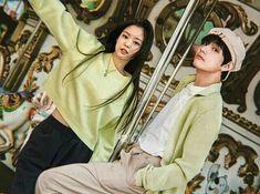 [Tamat] Kim Jisoo, ketua geng badgirl seantero sekolah. Dibenci selur… #fiksipenggemar # Fiksi Penggemar # amreading # books # wattpad Swag Couples, Kpop Couples, Cute Couples, Bts Girl, Bts Boys, Jimin Seulgi, Cute Asian Guys, Blackpink Photos, Pictures