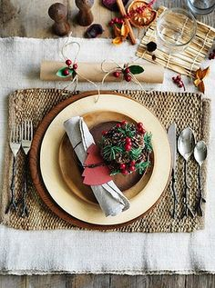 gorgeous christmas tables | How to create a beautiful Christmas table
