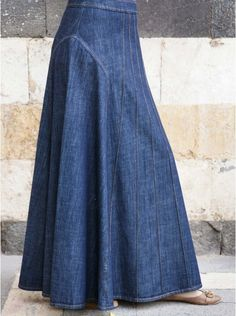 Most tips to choose a denim skirt will depend on your unique design, so very easy chic setup. Modest Outfits, Skirt Outfits, Modest Fashion, Dress Skirt, Fashion Outfits, Hijab Dress, Muslim Fashion, Outfit Jeans, Modele Hijab