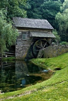 The Grist Mill Gallery: Mills of the Eastern States! I love Grist Mills and Covered Bridges! I will drive hundreds of miles out of my way to visit one! In 2011 I spent 3 weeks driving through 19 e… Beautiful Buildings, Beautiful Places, Old Grist Mill, Water Mill, Country Scenes, Water Tower, Jolie Photo, Old Barns, Le Moulin