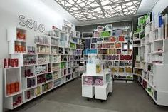 Google Image Result for http://retaildesignblog.net/wp-content/uploads/2012/07/Solo-cosmetics-showroom-StudioBelenko-Dnepropetrovsk.jpg