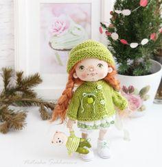 Не знаю, как у вас, а у нас #бррррхолодрыга , поэтому утепляемся. #куклыручнойработы #авторскаякукла #интерьернаякукла #куклысахаровойнатальи #handmade #doll #шитьемое #ручнаяработа #doll #handmade