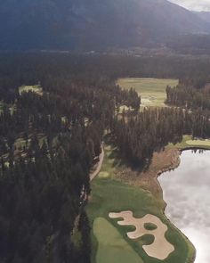 Talking Rock golf course has fast become a mature, world-renowned course with high level play that leaves golfers eager to return. Famous Golf Courses, Public Golf Courses, Golf Hitting Net, Coeur D Alene Resort, Augusta Golf, Golf Course Reviews, Golf Videos, Coeur D'alene, Golfers