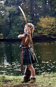 Little Robin Hood in a kilt What a cute Little Boy so full of Life Archery, Celtic Warriors, Highland Games, Landsknecht, Men In Kilts, My Heritage, Tartan Plaid, Real Man, Outlander