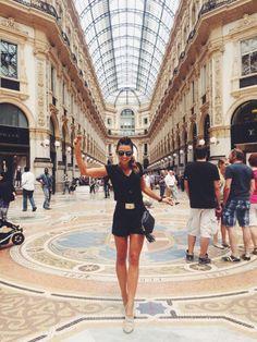 Anna Lewandowska Robert Lewandowski, I Robert, Karate, Fitspo, Milan, Dress Outfits, Places To Go, Summer Outfits, Jumpsuit