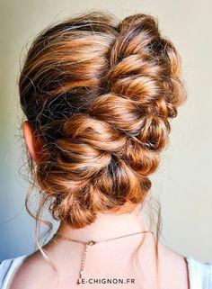 Tresse rapide et volumineuse pour tous vos événements.  Coiffure @le-chignon Style, Bohemian Look, Top Knot, Hair, Stylus