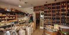 Fromagerie La Fermerie à Levallois -  Pour des fromages fermiers de qualité, une cave à vins de propriétés et un restaurant de spécialités fromagères