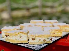 Plăcintă cu brânză și stafide în aluat fraged cu unt – Chef Nicolaie Tomescu Feta, Deserts, Food And Drink, Pie, Sweets, Cheese, Torte, Cake, Gummi Candy