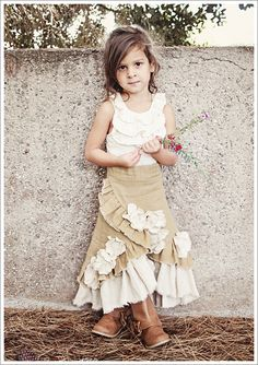 What Happens Next: What Stella Wore ~ Ruffled Linen Prairie Skirt That is a darling outfit for a young girl. Cute for a not so young girl as well. Little Girl Skirts, Little Girl Outfits, Little Girl Fashion, Little Girls, Kids Outfits, Baby Girls, Fashion Kids, Prairie Skirt, Handmade Skirts