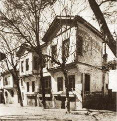 Atatürk was burn in this house. Istanbul, Republic Of Turkey, Ulsan, Harbin, Thessaloniki, Historical Pictures, Old Photos, Amazing, Architecture Design