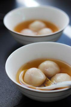Glutinous Rice Balls in Sweet Ginger Soup (tang yuan/tong yuen) - The Bake Idea Blog